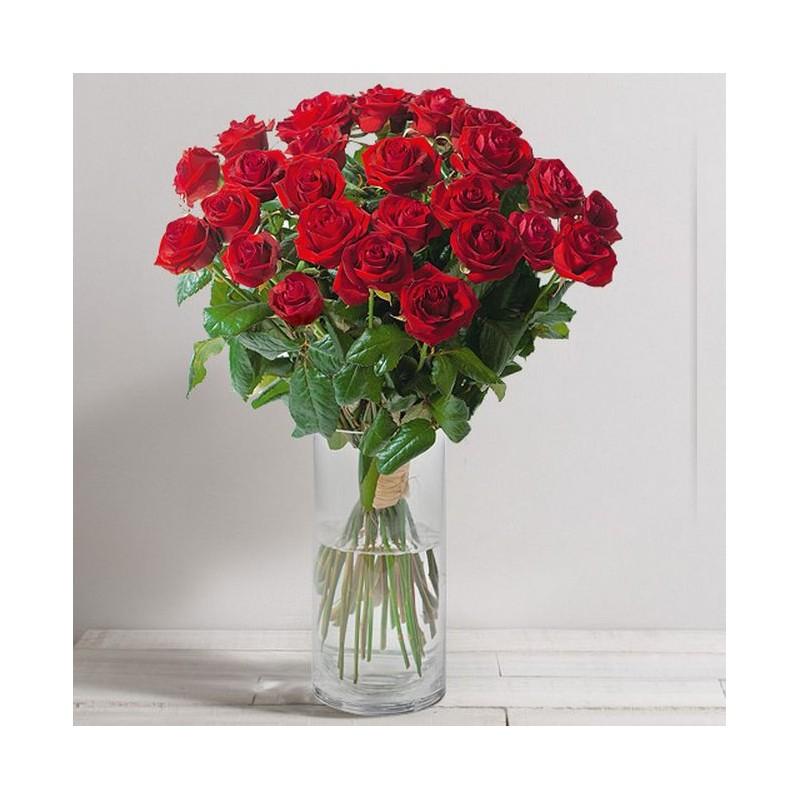 bouquet de roses st valentin passion interflora. Black Bedroom Furniture Sets. Home Design Ideas