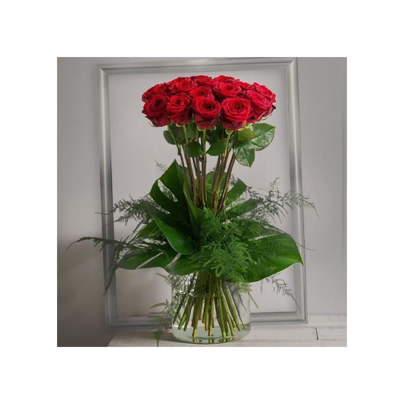 bouquet de roses saint valentin idylle corse. Black Bedroom Furniture Sets. Home Design Ideas