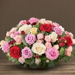 Panier Deuil De Roses Multicolores Rosae